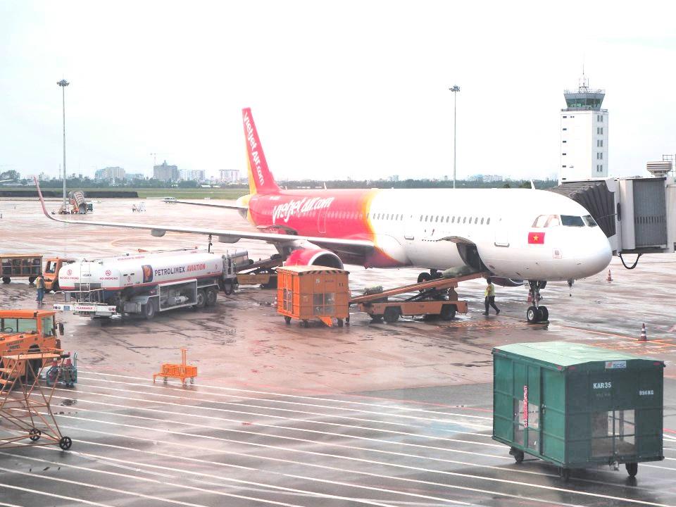 魅惑のベトジェットエア搭乗記~チェックインから空港内の様子、機内販売まで~
